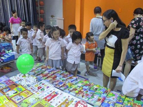 Book Fair 03