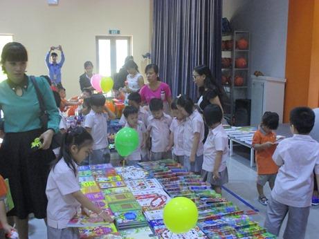 Book Fair 04
