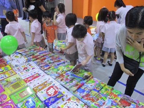 Book Fair 05